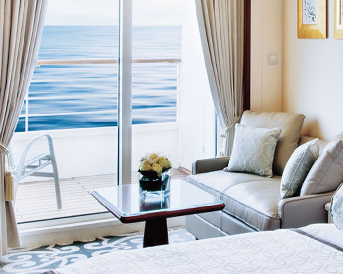 crystal-serenity-accommodations-deluxe-stateroom-with-verandah-living-area