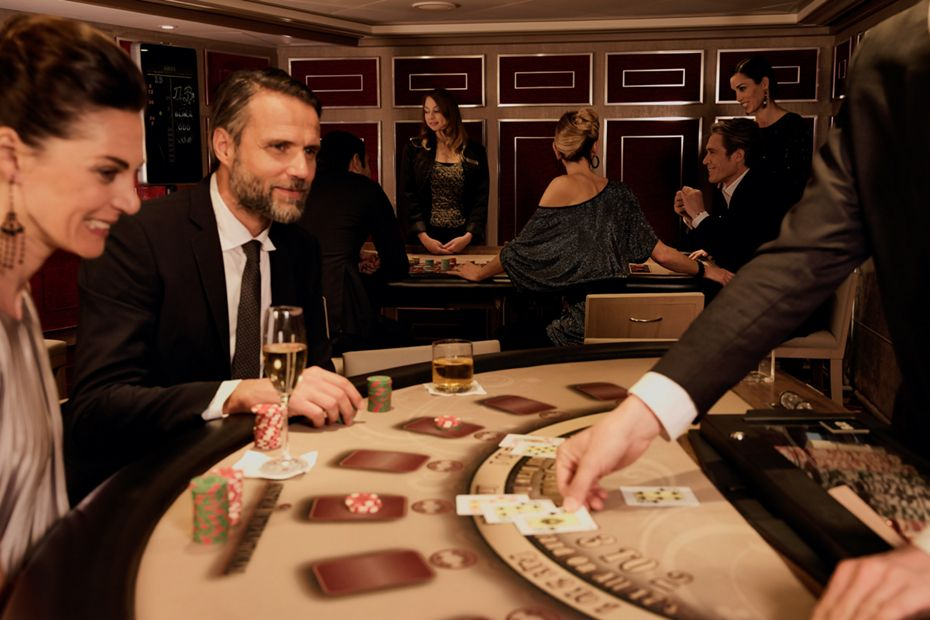 silversea-luxury-cruises-silver-muse-casino-couple-playing