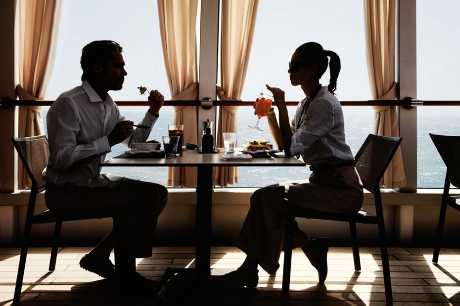 silversea-luxury-cruises-silver-muse-the-grill-restaurant-couple